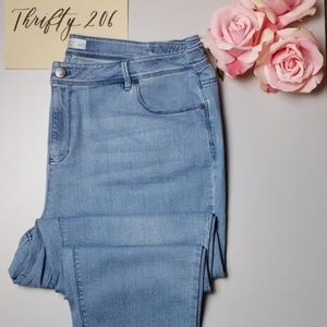 [J. Jill] Authentic Fit Slim Ankle Jeans